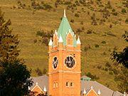 um clock tower