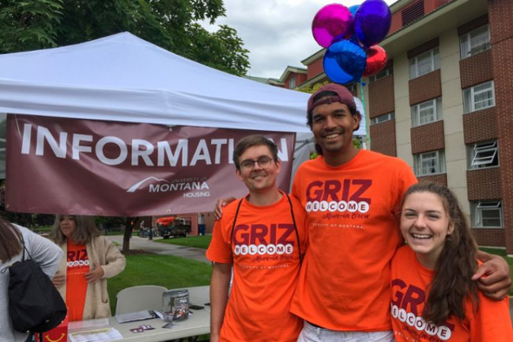 UM students welcoming new residents to the halls.