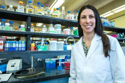 A picture of UM researcher Laura Jennings in her UM lab.